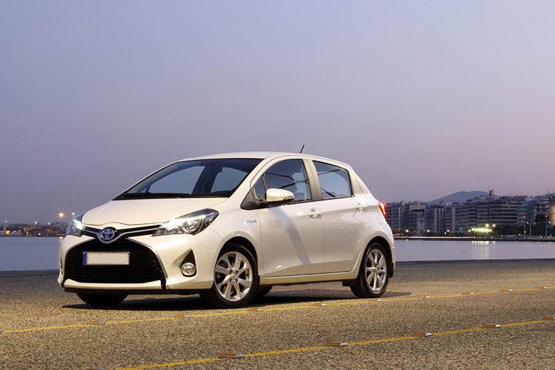 Toyota Yaris гибрид Automatic или аналог